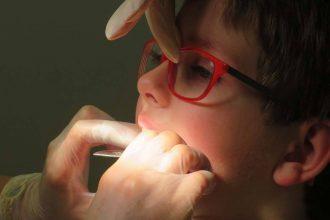 avoid eye dental indection