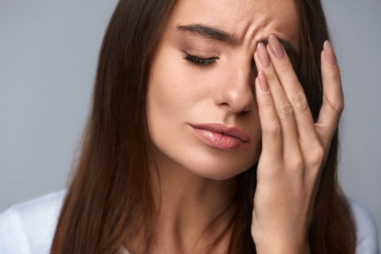 The relationship between swollen eyes and headaches