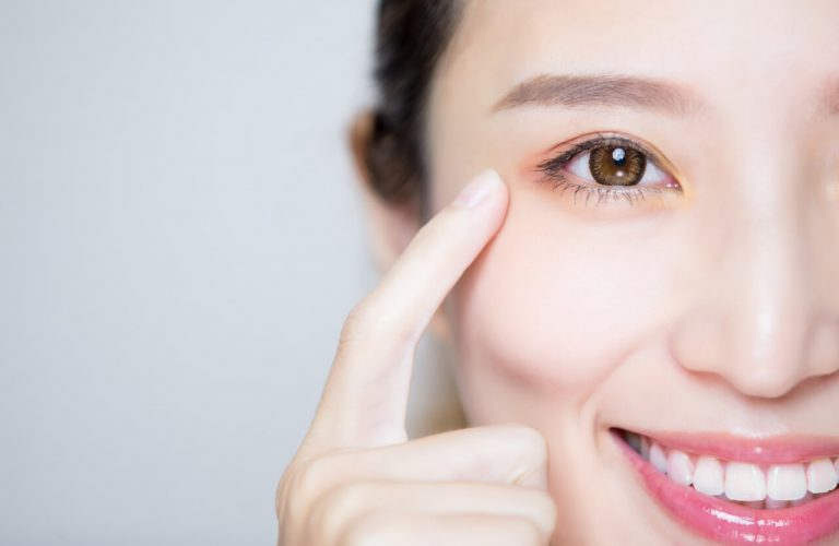 Can eyesight improve naturally?