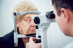 can eye dilation cause problems