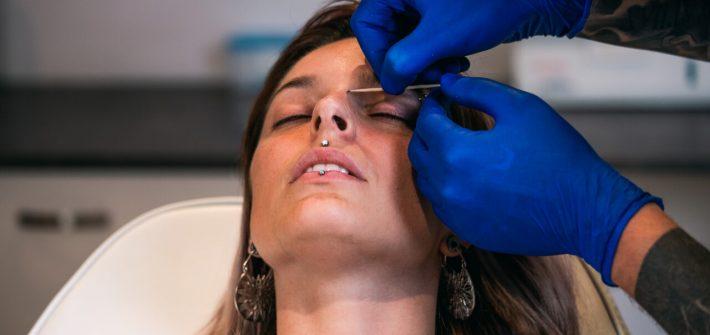 eye lid piercing